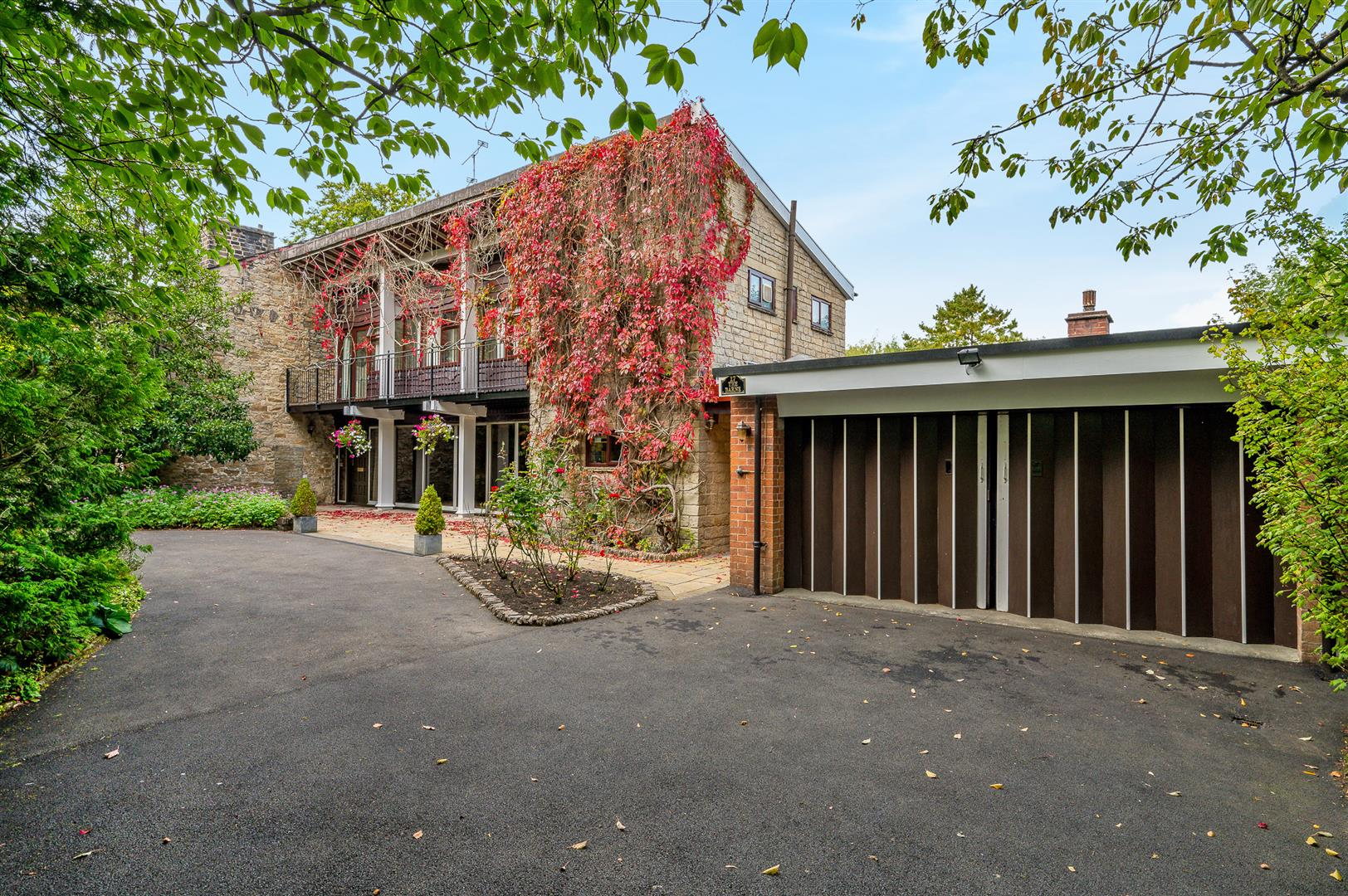 4 bedroom house For Sale in Bolton - Main Image.